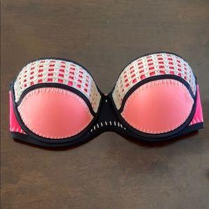 NWOT Victoria's Secret strapless top 32DD
